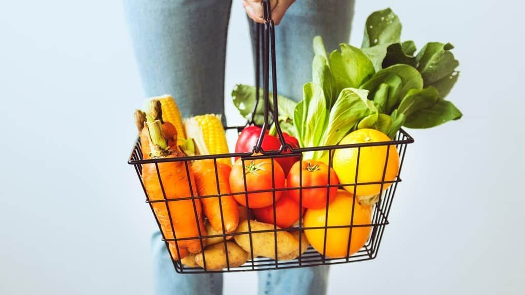 The 14 Biggest Nutrition and Food Myths Busted