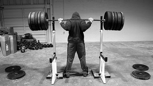 The squat - or how to avoid chicken feet ⋆ Revolutionary Fitness